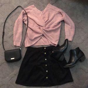 Sweaters - NWOT Soft V Neck Twist Sweater Pink 💞